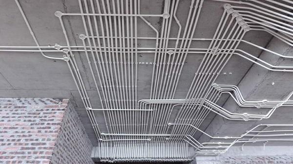 cách luồn dây điện âm tường